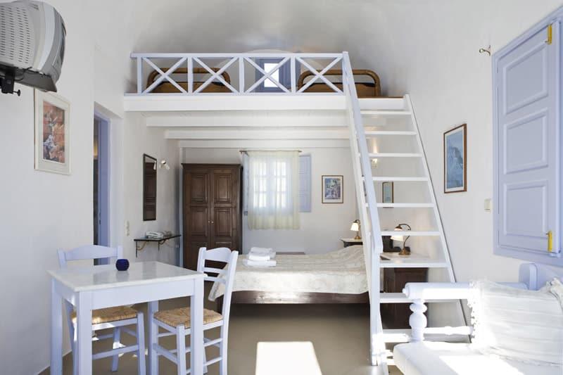 Twin room Santorini with mezzanine floor and single bed below
