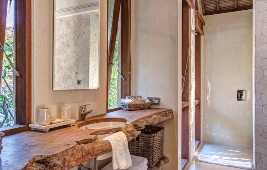 Bathroom at Nusa Lembongan
